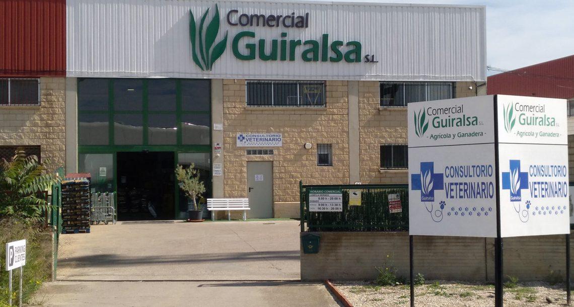 Comercial Guiralsa entrada - Consultorio Veterinario Huesca Guiralsa - Peluqeria canina Huesca
